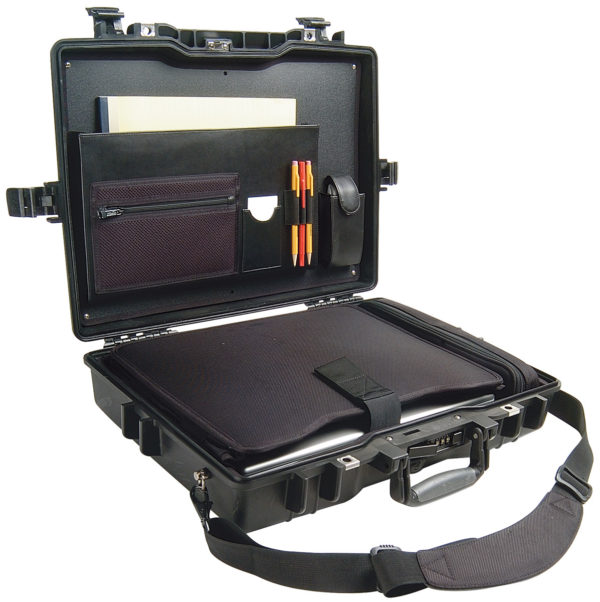 1495CC1 Pelican Deluxe 17 in. Laptop Case