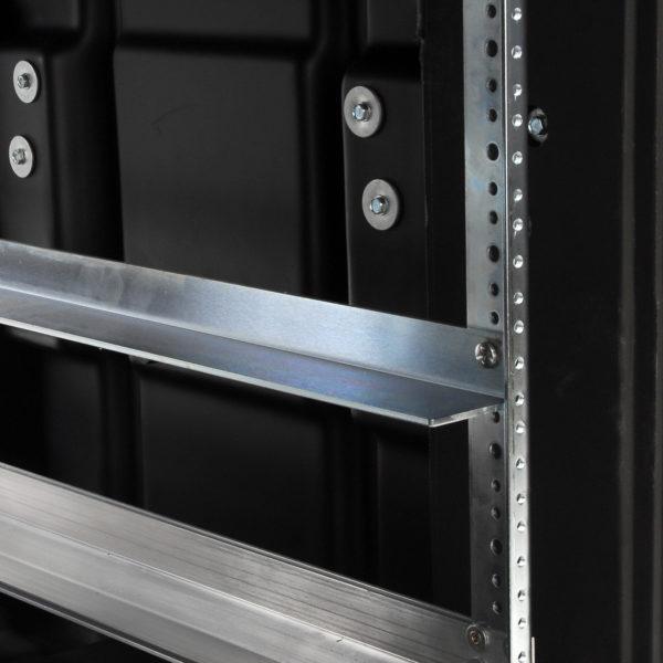 3SKB-SR28…Support Rail Kit for 28 inch Racks